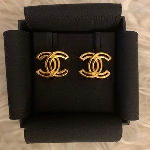 Chanel earrings 20k collection gold hardware